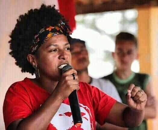 Para organizar a resistência, o MST na Bahia OPTOU por Lucinha presidenta do PT