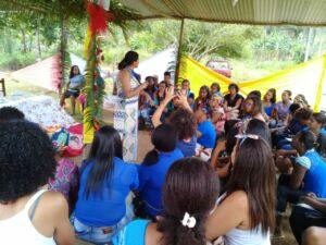 Mulheres Sem Terra da Bahia, se organizam para participarem do 1º Encontro Nacional das Mulheres do MST