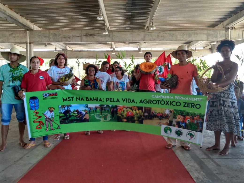 MST firma compromisso de plantar 10 milhões de árvores em toda Bahia