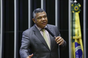 Deputado Sem Terra,Valmir Assunção, destina 3,5 milhões para o combate ao corona vírus na Bahia.