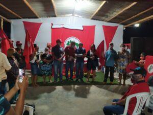 Acampados do Acampamento Paulo Kageyama, receberam o mapa do lote.