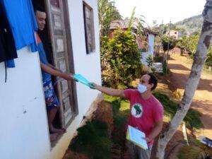 Desafios do Ensino Remoto: visita às casas das famílias e entrega de atividades impressas da Escola Luana Carvalho