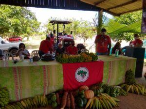 Famílias Sem Terra do Extremo Sul da Bahia celebram entrega de trator