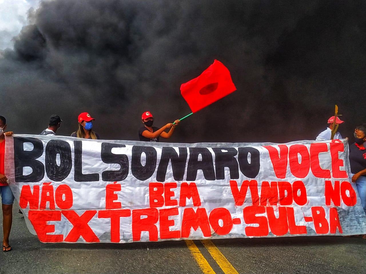 MST recepciona presidente com protestos e ocupação no Extremo Sul da Bahia